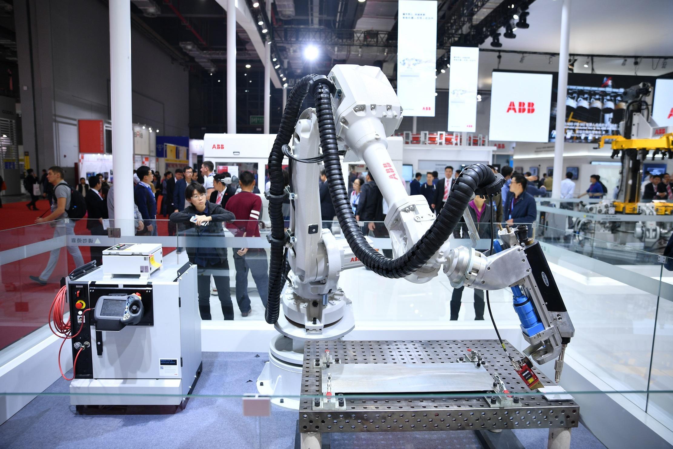 南京依维柯使用160余台ABB机器人助力生产