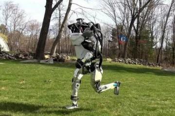 埃夫特上市股价暴涨约四倍 中国工业机器人企业尚需夯实基础